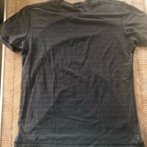 Lululemon men's 5 year basic tee xl black stripe